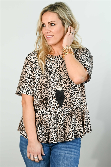 Picture of Lady Leopard Ruffle Top 🇺🇸